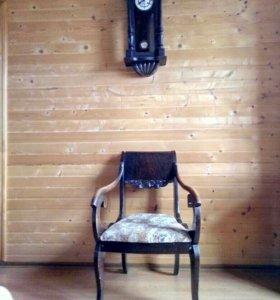 Антикварный комплект часы и кресло
