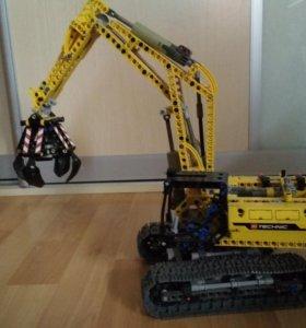Lego technic 42006 трактор с манипулятором