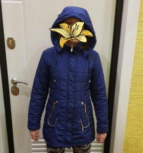 Куртка на девочку демесизонная