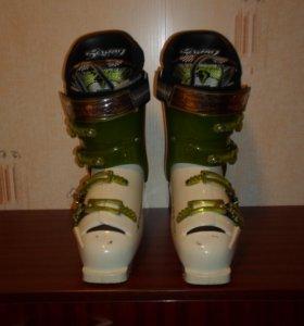 горнолыжные ботинки rossignol B-Squad carbon