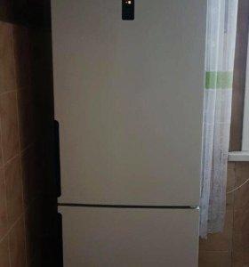 Актуально до 26.05, Холодильник hot point Ariston