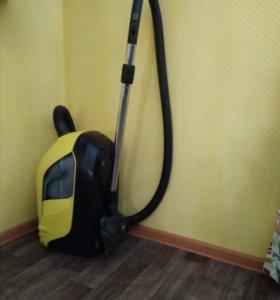 Пылесос с аквафильтром Karcher DS 5.800
