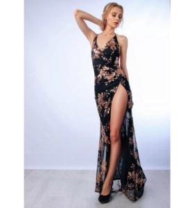 платье с вырезом с паетками на новый год