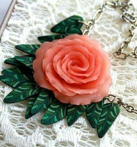 Кулон из полимерной глины ручной работы, Роза