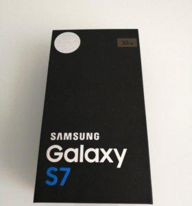Смартфон Samsung Galaxy S7 32GB DS Gold Platinum