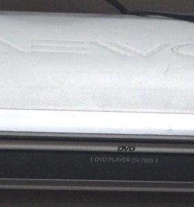 DVD-плеер Daewoo DV-760S