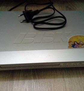 DVD плеер-караоке BBK +микрофон в подарок