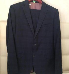 Два мужских костюма  50(52)-186 рост