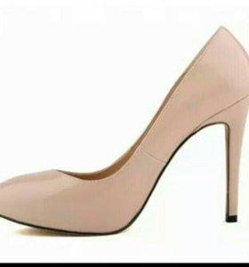 Новые туфли лодочки лакированые