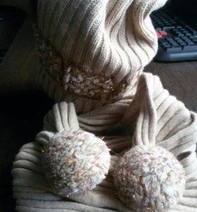 Шапка и шарф в отличном состоянии.