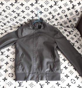 Куртка подростковая  в отличном состоянии