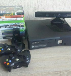 Xbox 360 S 250gb + Kinect + 2 геймпада + игры
