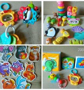 Игрушки и пазлы для детей малышей