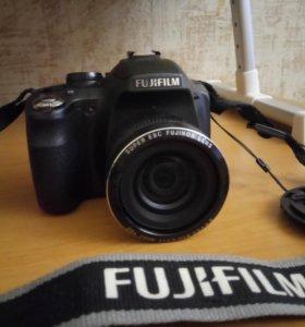 Продам фотоаппарат Fujifilm FinePix SL260