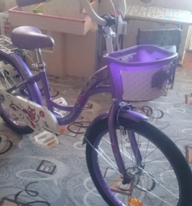 Велосипед детский. Самокат в подарок.