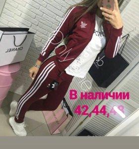 Костюм бордо