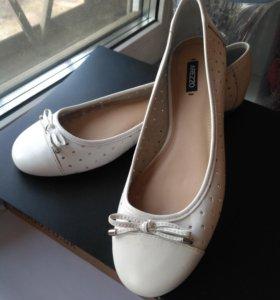 Новые балетки кожаные Arezzo