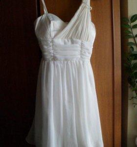 Платье нарядное белое вечернее