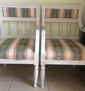 парные антикварные кресла