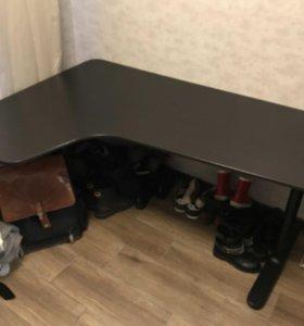 Письменный стол Бекант Ikea