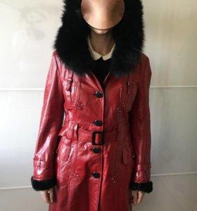 Пальто зимнее кожаное