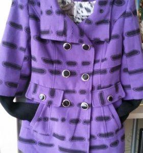 Пальто демисезонное продам, в отличном состоянии