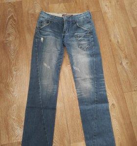 Качественные джинсы(р28-30)