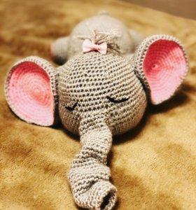 Вязанный слоник -сплюша