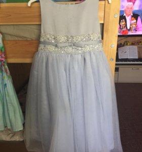 Платье на девочку 116р.