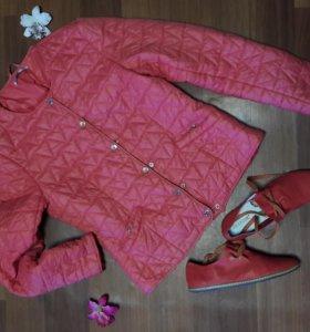 Комплектом куртка 44р и ботиночки 38р