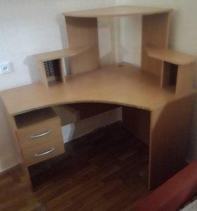 Компьютерный стол 120х90х135