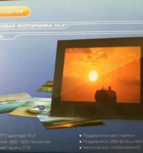 Цифровая фоторамка Digma PF-1001