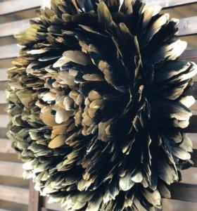 Настенный пион из перьев