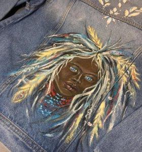 Джинсовая куртка с уникальным рисунком