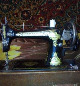 Антиквариат! Швейная машинка