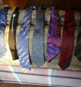 Галстуки, пояса, жилетки, брюки
