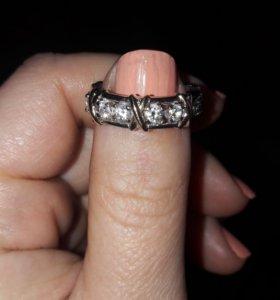Кольцо ( бижутерия)