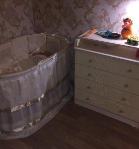 Кроватка круглая и комод с пеленальным столиком