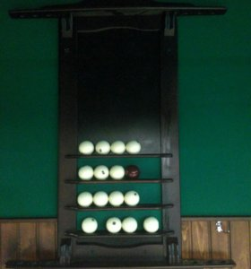 Полка для бильярдных шаров