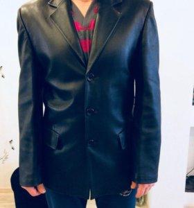 Продам кожаную куртку - пиджак.