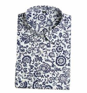 Женская рубашка с синими цветами