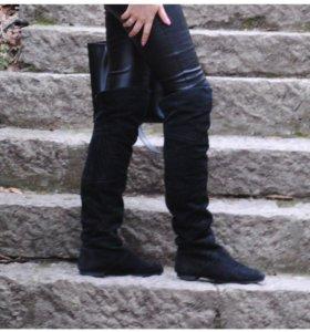 Продам чёрные замшевые сапоги ботфорты 37 размер