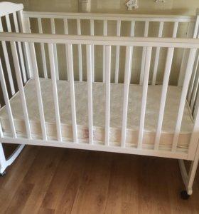 Детская кроватка, матрац, бортики