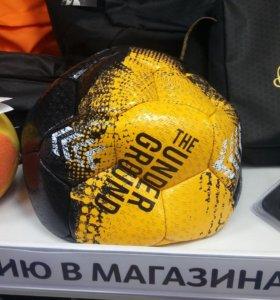 Футбольный мяч от Роналниньо