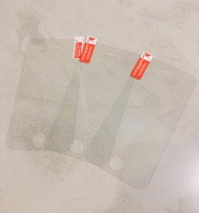 Защитные стекла на iPhone 4
