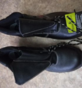 Спецодежда костюм и ботинки