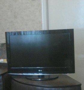 Телевизор LG_425 г.в. 2011 состояние отличное
