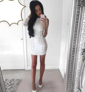 Белое бандажное платье