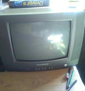 Телевизор на запчасти 2 рабочих