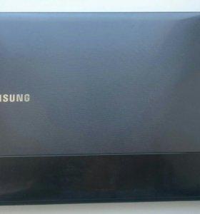 Ноутбук SAMSUNG NP300E5C